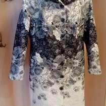 Пальто демисезонное с капюшоном, размер 54, в Екатеринбурге
