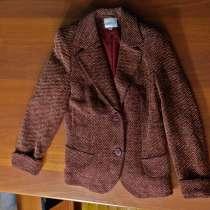 Продам жакет темно бордового цвета размер 42-44, в Екатеринбурге
