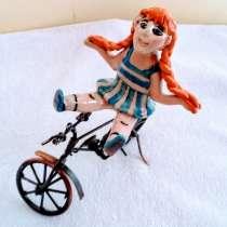 """Статуэтка """" девочка на велосипеде"""", в г.Иерусалим"""