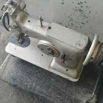 Швейная машина 26-го класса, б/у, без стола и двигателя, в г.Мелитополь