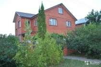Дом в черте города с гаражом, бассейном и гостевым домиком, в Белгороде