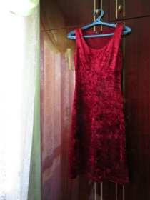 Платье коктейльное (новое), р.42-44, в Хабаровске