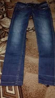 Продаю джинсы 500 р, в Барнауле