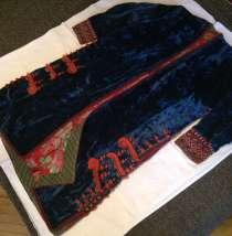 Продаю женский национальный халат ручной работы, в Москве