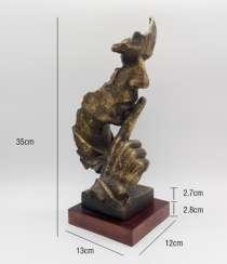Скульптура «Молчание - золото», в Санкт-Петербурге