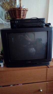 """Мягкий угловой диван б/ у, телевизор """"Samsung"""", стеклянные б, в г.Караганда"""