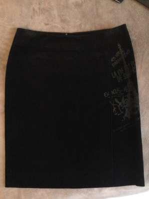 Чёрная вельветовая юбка