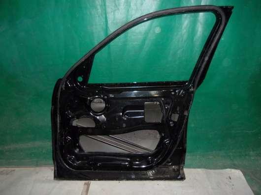Правая передняя дверь BMW X3 F25 черная