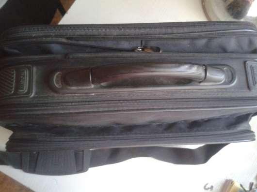 Портфель сумка чемоданчик в дорогу и на работу