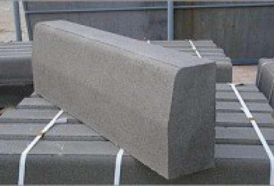 Камень бордюрный бетонный (мостовой, дорожный, тротуарный)