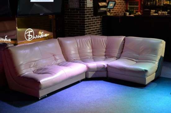 Комплект мягкой мебели + столы