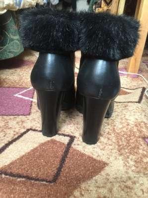 Зимние ботинки. размер 39.каблук 10 см