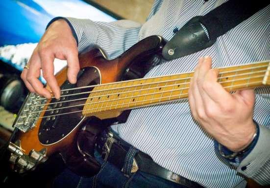Обучение игре Акустическая, Электро, Бас гитара в Челябинске Фото 2