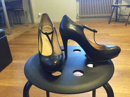Туфли черные Guess