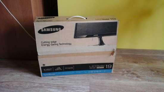 Монитор Samsung SyncMaster SA300