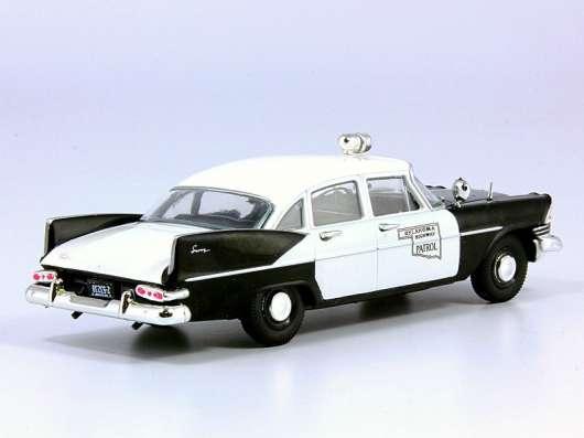 полицейские машины мира №21 PLYMOUTH SAVOY