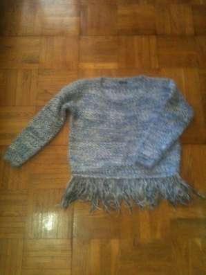 Стоковый свитерок Греция в г. Черневцы Фото 1
