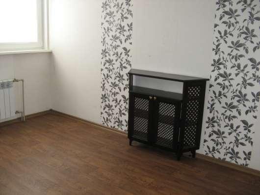 Продам 3 комнатную квартиру на Колобова 18