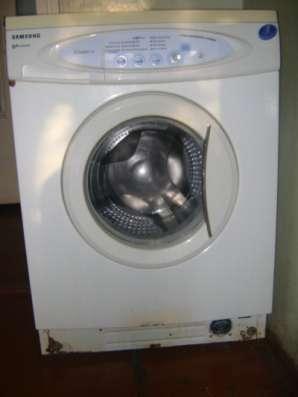 стиральную машину-автомат Samsung WF-R1061