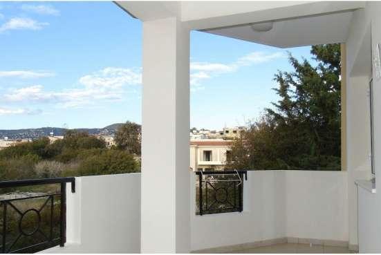 Отличный трехкомнатный Апартамент в пригороде Пафоса-Кипра Фото 1