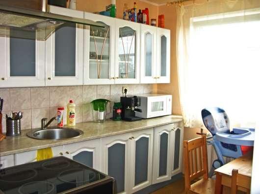 Квартира в Эстонии, Азери