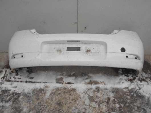 Задний бампер белый на Renault Logan 2015г