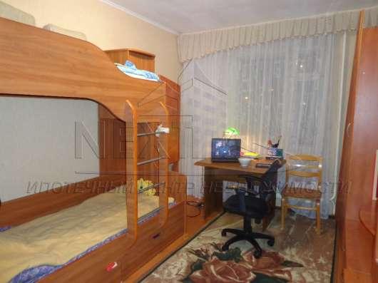 Продам 2-комнатную квартиру на С. Перовской 113