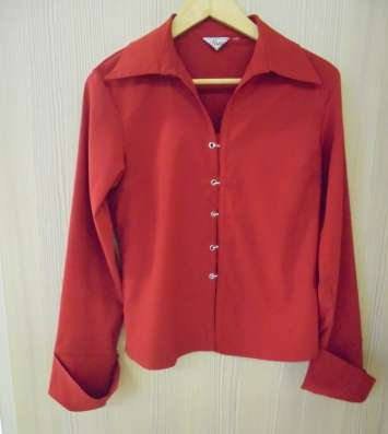 Блузка (рубашка) красного цвета, р. L