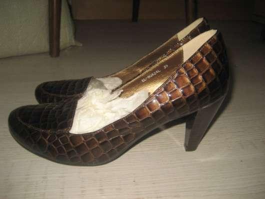 Обувь на р.40