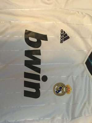 Новая футбольная форма Реала в Москве Фото 3