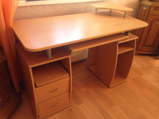 Диван, стол, кресло