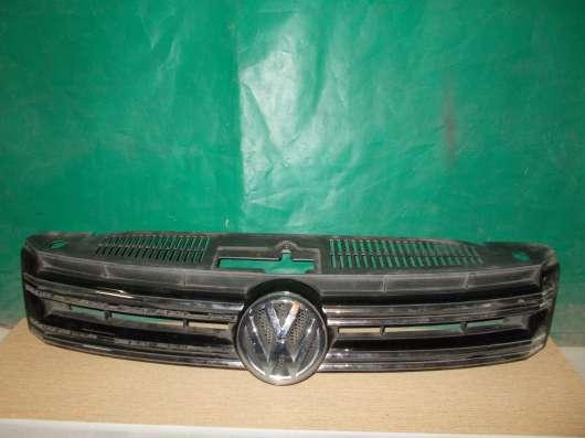 Volkswagen Tiguan Решетка радиатора б/у Оригинал
