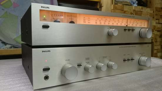 PHILIPS 102 AM-FM stereo tuner,302 stereo amplifer