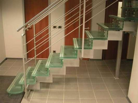 Стеклянные перила для лестниц, лестницы в г. Караганда Фото 2
