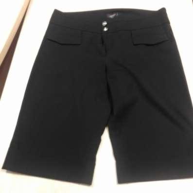 Черные женские шорты (до колена), брючной ткани, снизу манже в г. Минск Фото 2