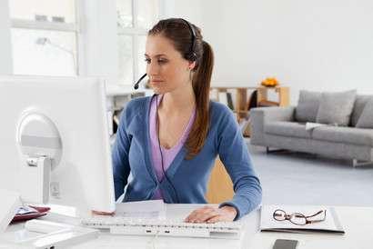 Сотрудница-менеджер онлайн