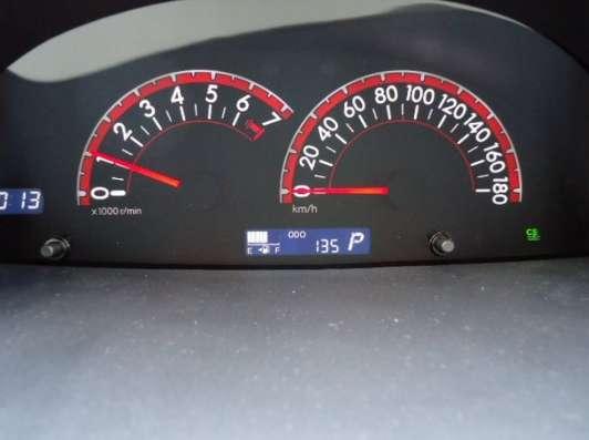 Toyota Porte хетчбек для водителя колясочника