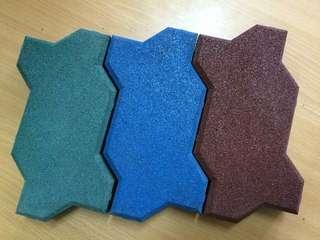 Резиновые, травмобезопасные покрытия в Казани Фото 1