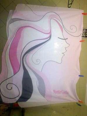 Парео нежно-розового цвета с рисунком