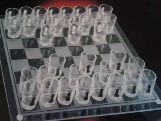 Рюмки пьяные шахматы можно шашки