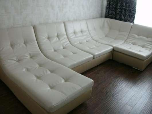 Перетяжка мягкой мебели в Омске