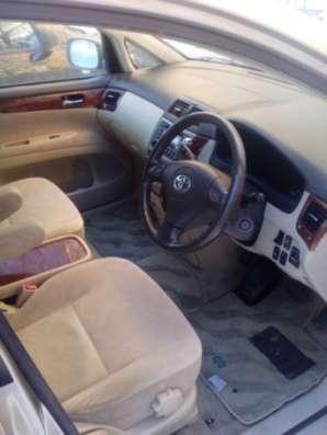 Подержанный автомобиль Toyota ipsum