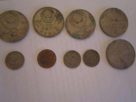 Монеты 1.2.3.5копеек.10.15.20. и 1руб.различного периода СССР