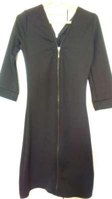 Продам женские платья