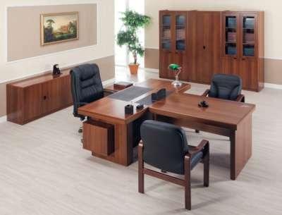 Компакт орех кабинет для руководителя.