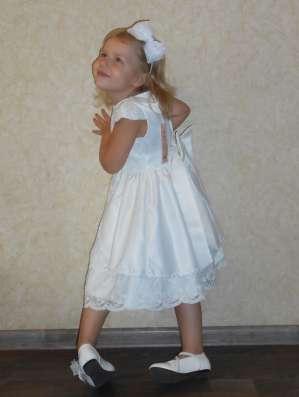 Платье белое, праздничное, нарядное, кружевное в г. Днепропетровск Фото 1