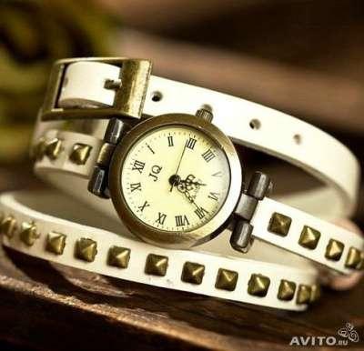 Стильные винтажные часы