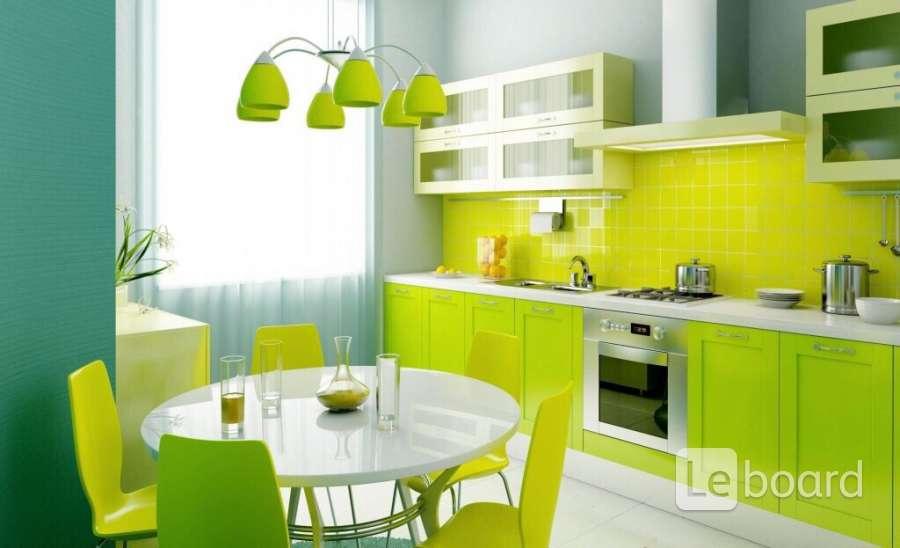 Кухня в нежно зеленых тонах